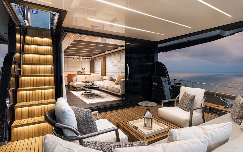 Cranchi Settantotto motor yacht